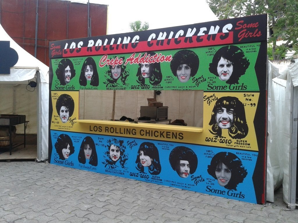 Stand_the_rolling_chickens_feria_masticar_1
