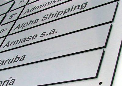 Cartel indicador entrada de Edificio