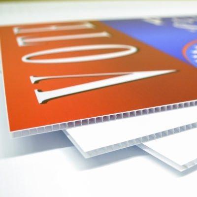Carteles de Plástico Corrugado para Publicidad, Propaganda y Señalización