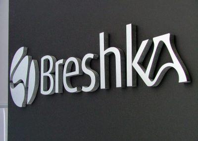 Cartel corpóreo Breshka
