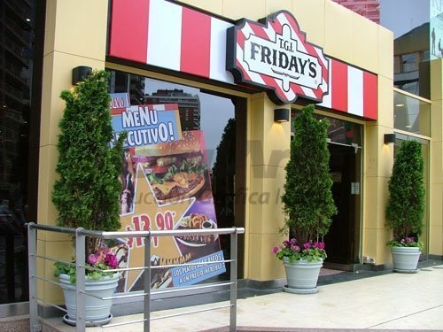 Vinilo microperforado para TGI Friday's