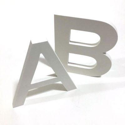 Letras y numeros corporeos en PVC Espumado de 10 mm
