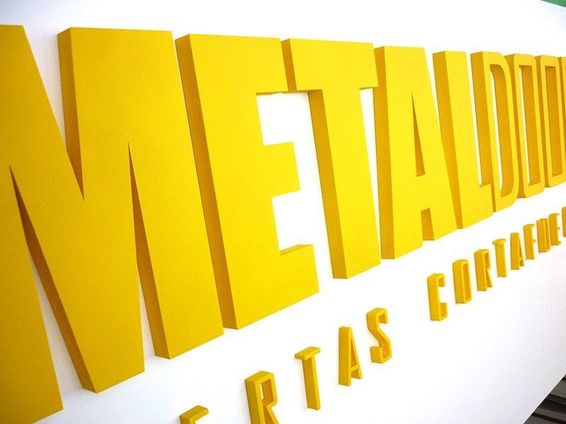 Corporeo en polifan Metaldoor